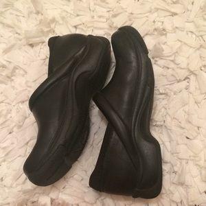 Dansko size 39 black nursing shoes 🎀